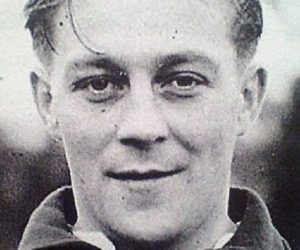 THE BRITISH TRANSFER RECORD BREAKERS – BILLY STEEL